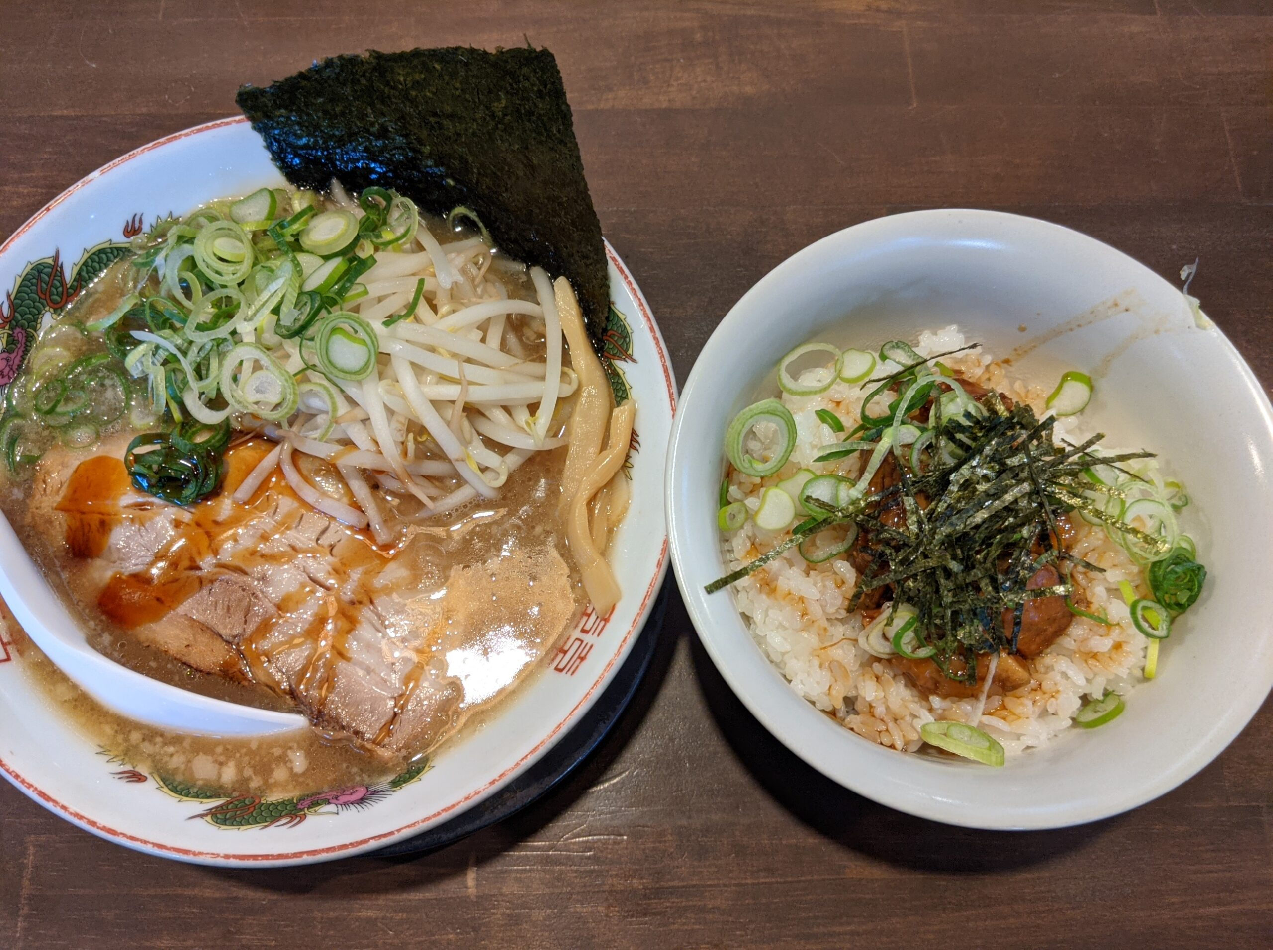 豚骨醤油ラーメンとチャーシュー丼